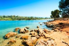 Paisaje costero en la isla de Cleopatra Imágenes de archivo libres de regalías