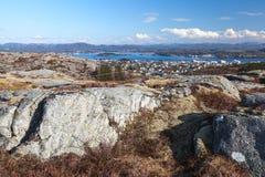 Paisaje costero noruego vacío, primavera Foto de archivo