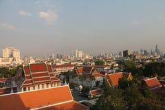 Paisaje de Bangkok, visión desde el soporte de oro foto de archivo