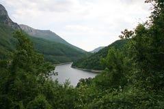 Paisaje de Cerna River Valley, Rumania Imagen de archivo libre de regalías