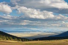 Paisaje de Colorado con el cielo dramático Fotos de archivo libres de regalías