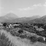 Paisaje de Crete con la capilla fotografía de archivo libre de regalías