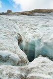Paisaje de DES Diablerets del glaciar de fusión en las montañas suizas fotografía de archivo