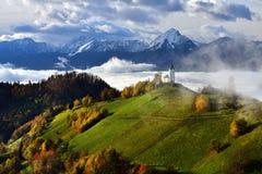 Paisaje de Eslovenia, naturaleza, escena del otoño, naturaleza, cascada, montañas imagen de archivo libre de regalías