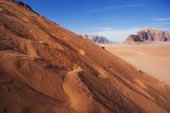 Paisaje de Jordania Duna en el desierto de Wadi Ram imágenes de archivo libres de regalías