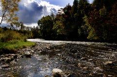 Paisaje de la batería de río fotografía de archivo