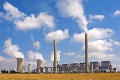 Paisaje de la central eléctrica imagen de archivo