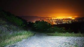 Paisaje de la ciudad de la noche Fotos de archivo