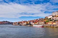 Paisaje de la ciudad de Oporto Río del Duero, Portugal foto de archivo