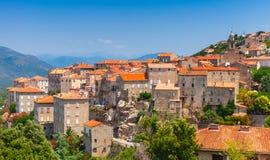 Paisaje de la ciudad Sartene, Córcega, Francia Imágenes de archivo libres de regalías