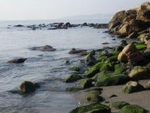 Paisaje de la costa costa en Estepona Imagen de archivo libre de regalías