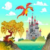 Paisaje de la fantasía con el castillo y el dragón. Imagen de archivo