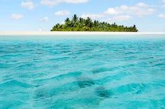 Paisaje de la isla de la luna de miel en el cocinero Islands de la laguna de Aitutaki Imagenes de archivo