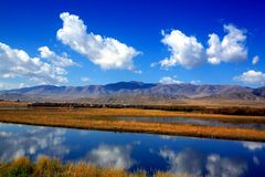 Paisaje de la meseta tibetana Foto de archivo libre de regalías
