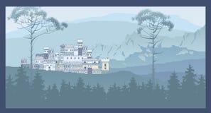Paisaje de la montaña con el castillo medieval antiguo en la colina cacerola Fotos de archivo libres de regalías