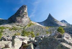 Paisaje de la montaña con el río Fotografía de archivo libre de regalías