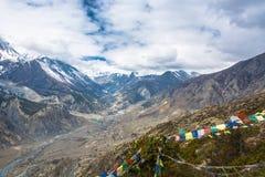 Paisaje de la montaña con el río de Bagmati, Nepal Fotos de archivo libres de regalías