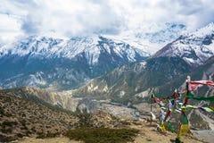 Paisaje de la montaña con el río de Bagmati, Nepal Imagen de archivo libre de regalías
