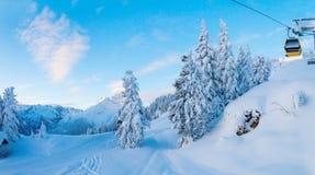 Paisaje de la montaña de la mañana Imagenes de archivo