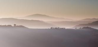 Paisaje de la montaña de la mañana del invierno Fotografía de archivo