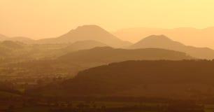 Paisaje de la montaña de la puesta del sol Imagenes de archivo