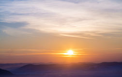 Paisaje de la montaña de la puesta del sol Fotos de archivo