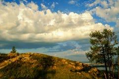 Paisaje de la montaña de la puesta del sol del verano Fotos de archivo libres de regalías