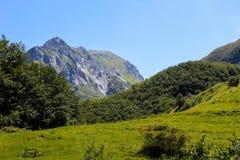 Paisaje de la montaña de las montañas de Apuane Fotografía de archivo