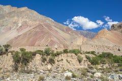 Paisaje de la montaña del barranco Cotahuasi Foto de archivo