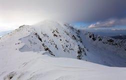 Paisaje de la montaña del invierno - Tatras bajo Imagen de archivo libre de regalías