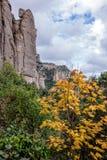 Paisaje de la montaña en el monasterio de Santa Maria de Montserrat S Foto de archivo libre de regalías