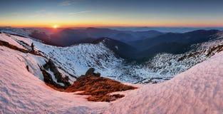 Paisaje de la montaña en la primavera - invierno en Eslovaquia, PA bajo de Tatras Fotografía de archivo libre de regalías