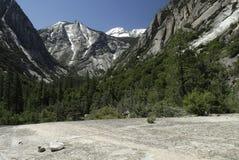 Paisaje de la montaña en parque nacional de reyes Canyon Imagen de archivo