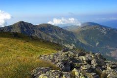 Paisaje de la montaña en Rumania Imagen de archivo