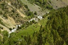 Paisaje de la montaña, garganta de Galuyan, Kirguistán Imagenes de archivo