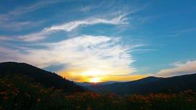 Paisaje de la montaña. 4K. HD LLENO, 4096x2304. almacen de metraje de vídeo