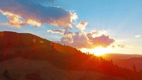 Paisaje de la montaña. 4K. HD LLENO, 4096x2304. Imagen de archivo libre de regalías