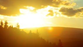 Paisaje de la montaña. 4K. HD LLENO, 4096x2304. Imágenes de archivo libres de regalías