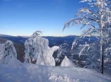 Paisaje de la montaña Nevado en Eslovaquia central Imagenes de archivo