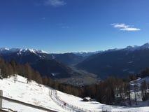 Paisaje de la montaña Nevado en vipiteno en el alto el Adigio del trentino fotografía de archivo libre de regalías
