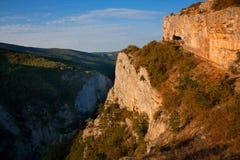 Paisaje de la montaña por la mañana Fotos de archivo libres de regalías