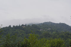 Paisaje de la montaña y cielo nublado Fotografía de archivo