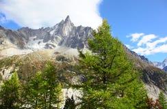 Paisaje de la montaña en Mont Blanc Imagen de archivo libre de regalías