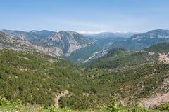 Paisaje de la naturaleza de la belleza de las montañas de la roca del tauro en Turquía Antal Fotos de archivo