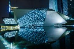 Paisaje de la noche del teatro de la ópera de Guangzhou fotografía de archivo