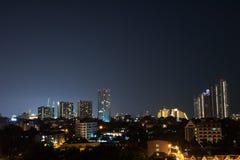 Paisaje de la noche en abajo ciudad Fotografía de archivo