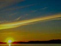 Paisaje de la orilla del lago Fotos de archivo libres de regalías