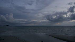 Paisaje de la playa en la isla del samui por la tarde metrajes
