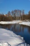 Paisaje de la primavera en el río Foto de archivo libre de regalías
