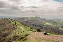 Paisaje de la primavera de las colinas de Malvern en el campo inglés imagenes de archivo